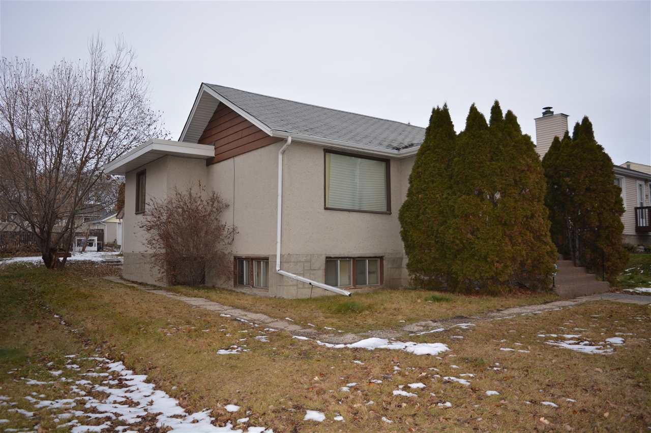 4020 114 Avenue, 3 bed, 2 bath, at $259,900