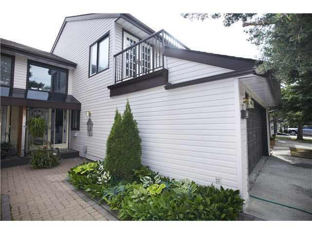 66 GRANDIN Wood(s), 3 bed, 4 bath, at $295,000