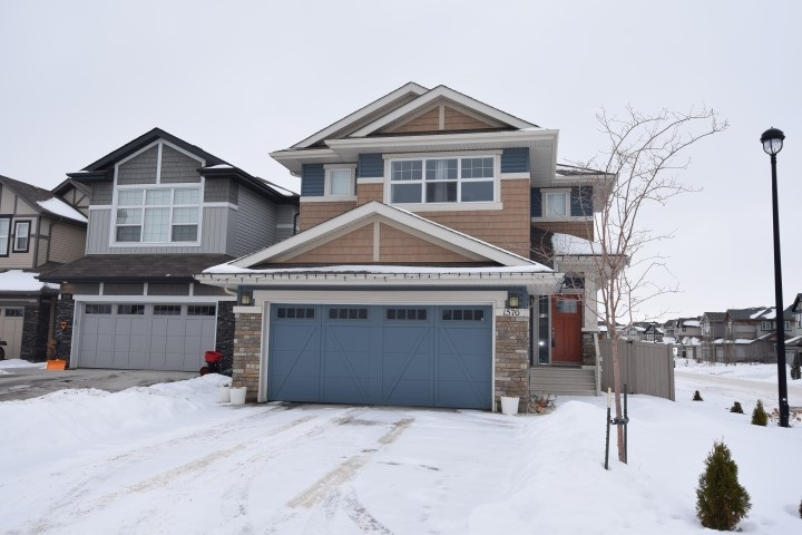Property, 3 bed, 2 bath, at $470,000