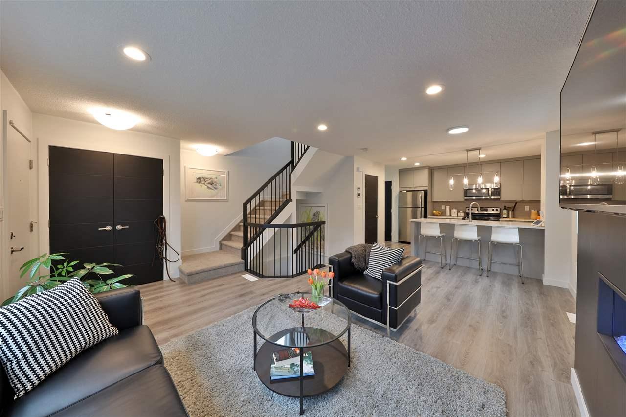 11638 84 Street, 2 bed, 3 bath, at $320,000