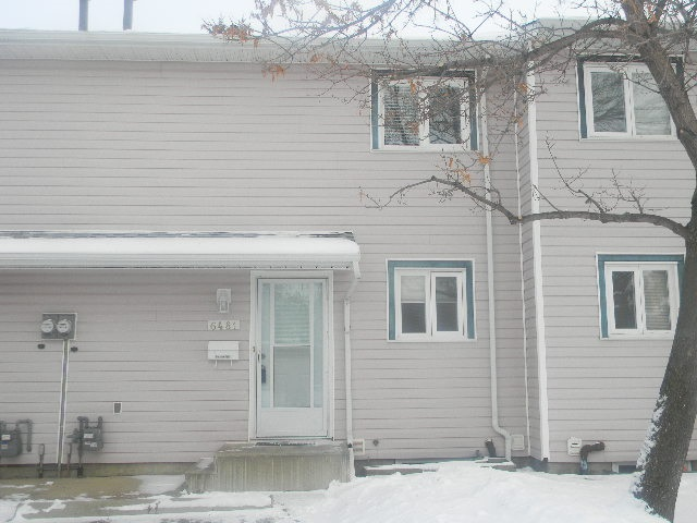 6481 184 Street, 3 bed, 2 bath, at $209,000