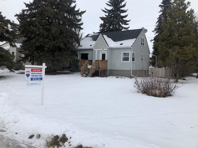 11608 110A Avenue, 5 bed, 2 bath, at $359,900