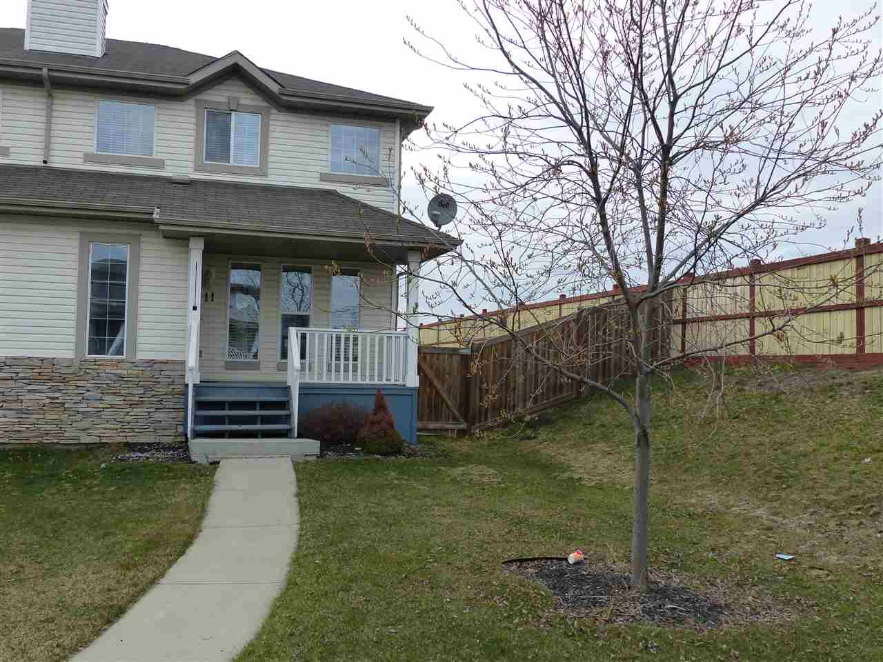 11 SOUTHWICK Point(e), 3 bed, 2 bath, at $264,900