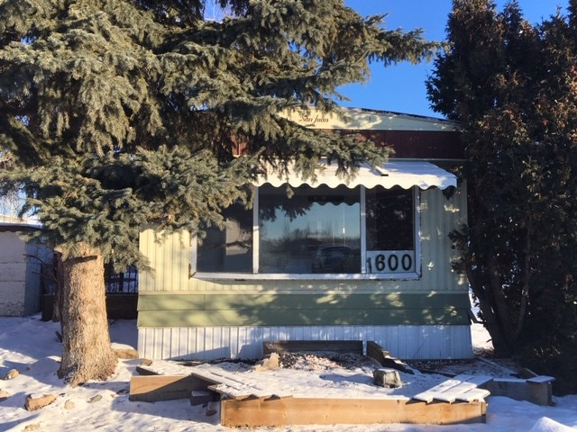1600 10770 Winterburn Road, 2 bed, 1 bath, at $22,000