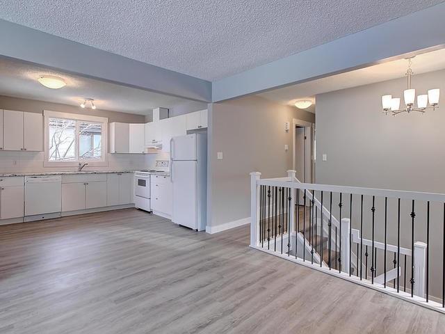 5607 50 Street, 3 bed, 2 bath, at $314,900
