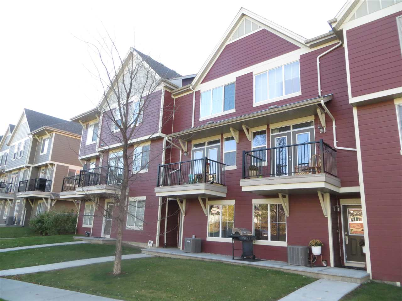 76 603 WATT Boulevard, 2 bed, 3 bath, at $255,000