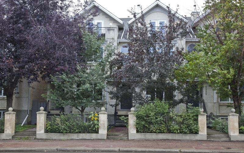 MLS® listing #E4138879 for sale located at 9325 98 Avenue
