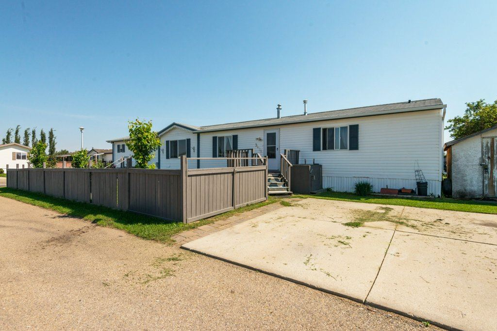3436 Lakeview Point(e), 3 bed, 2 bath, at $99,500
