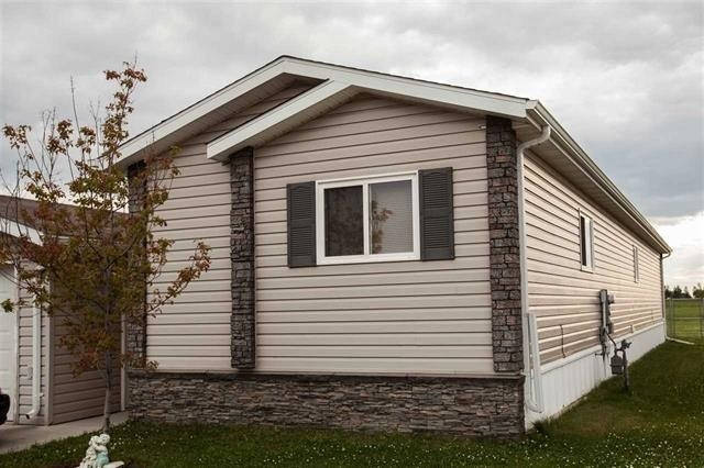 418 Oak Wood CR, 2 bed, 2 bath, at $132,900