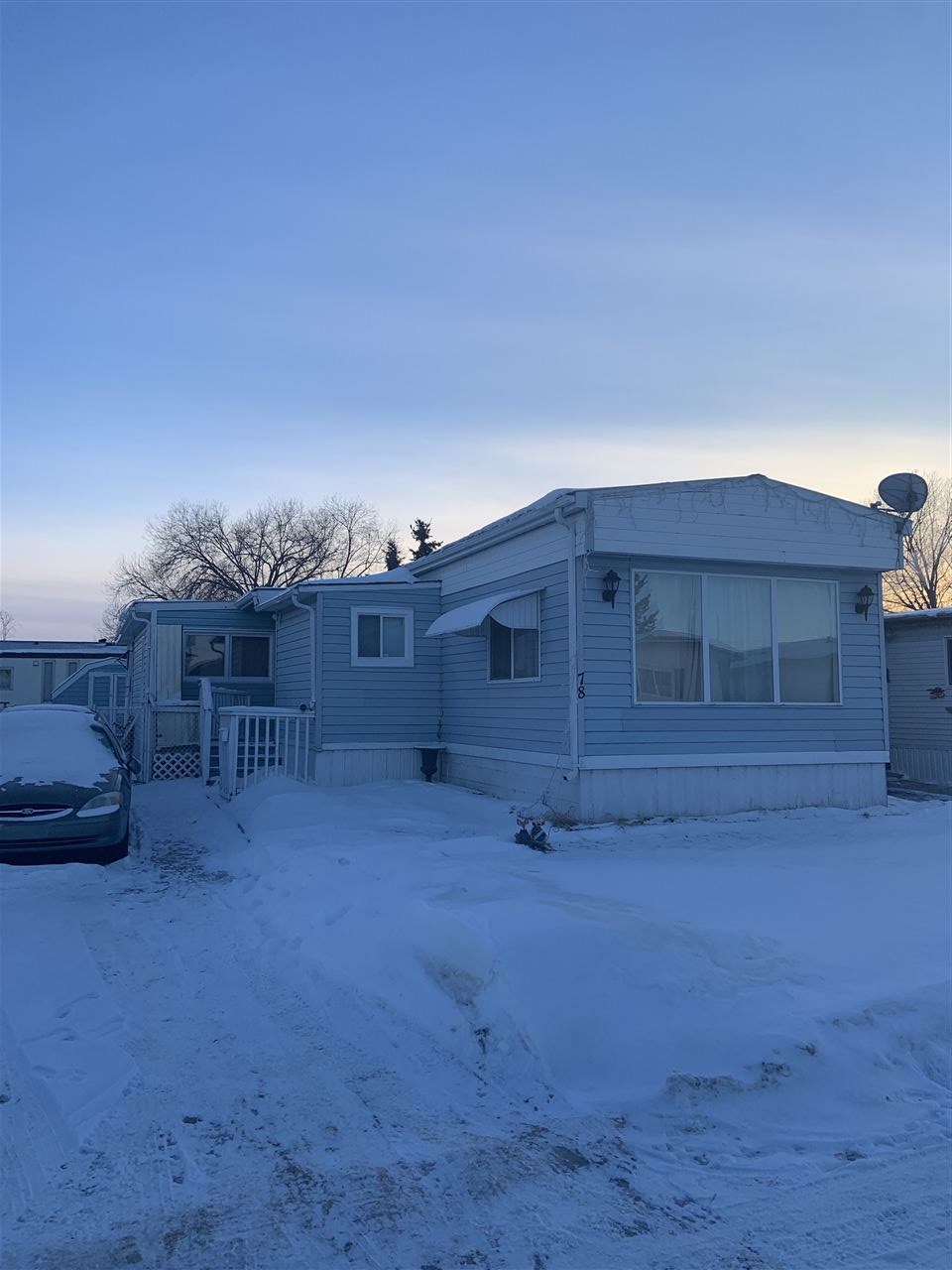 78 4202 45 Street, 4 bed, 1 bath, at $29,995