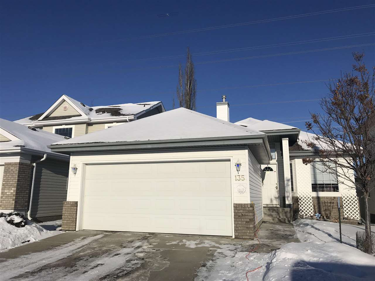 MLS® listing #E4139661 for sale located at 135 LEIGH Crescent