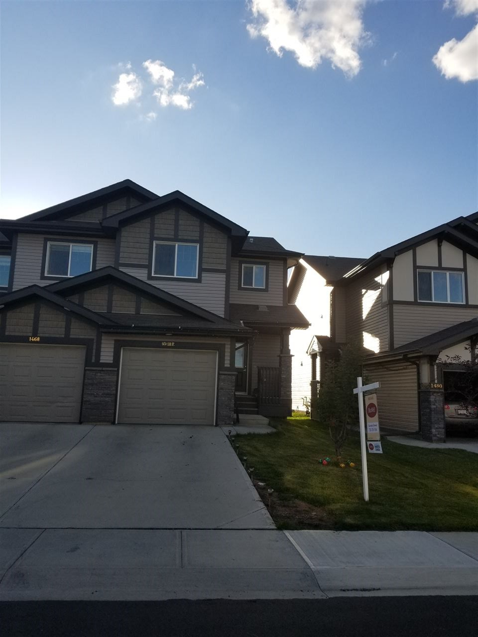 2820 16 Avenue, 3 bed, 3 bath, at $339,900