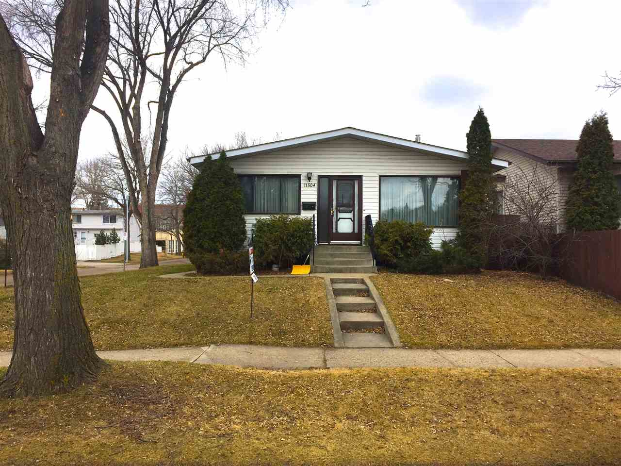 MLS® listing #E4139873 for sale located at 11504 67 Street