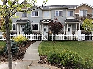 42 4850 TERWILLEGAR Common NW, 2 bed, 3 bath, at $284,900