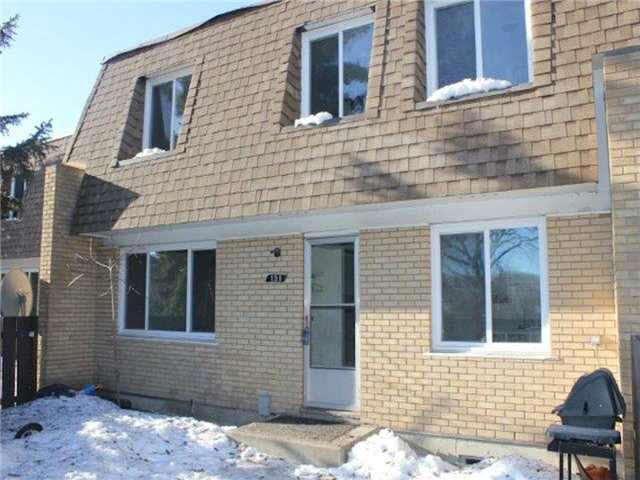 104 LONDONDERRY Square, 2 bed, 2 bath, at $147,900