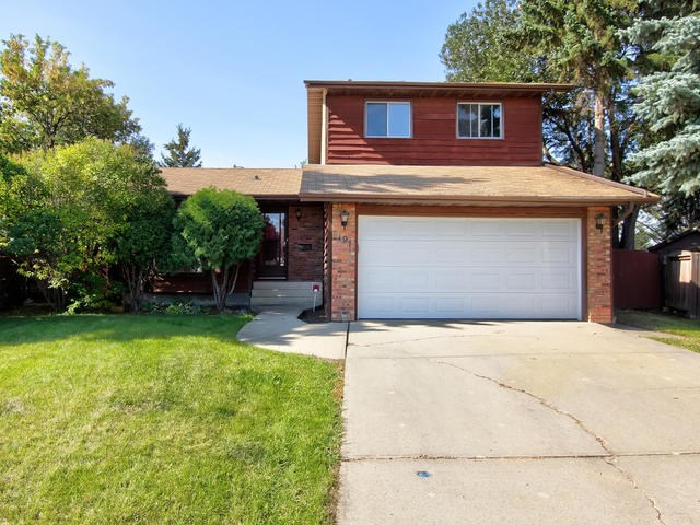 197 GRAND MEADOW Crescent, 3 bed, 3 bath, at $374,800