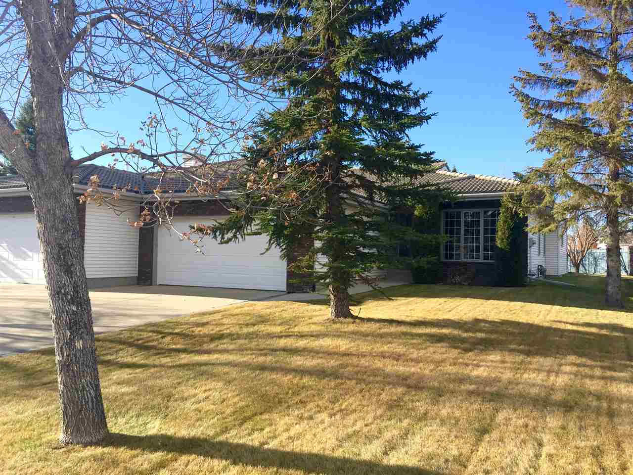 238 COUNTRY CLUB Point(e), 3 bed, 3 bath, at $498,800