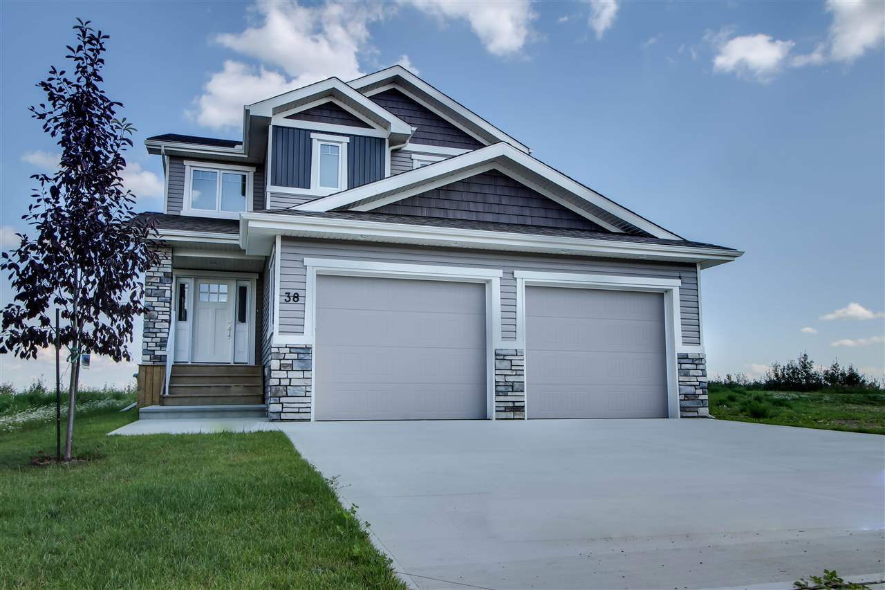 38 Dillworth Cr, 3 bed, 3 bath, at $564,900