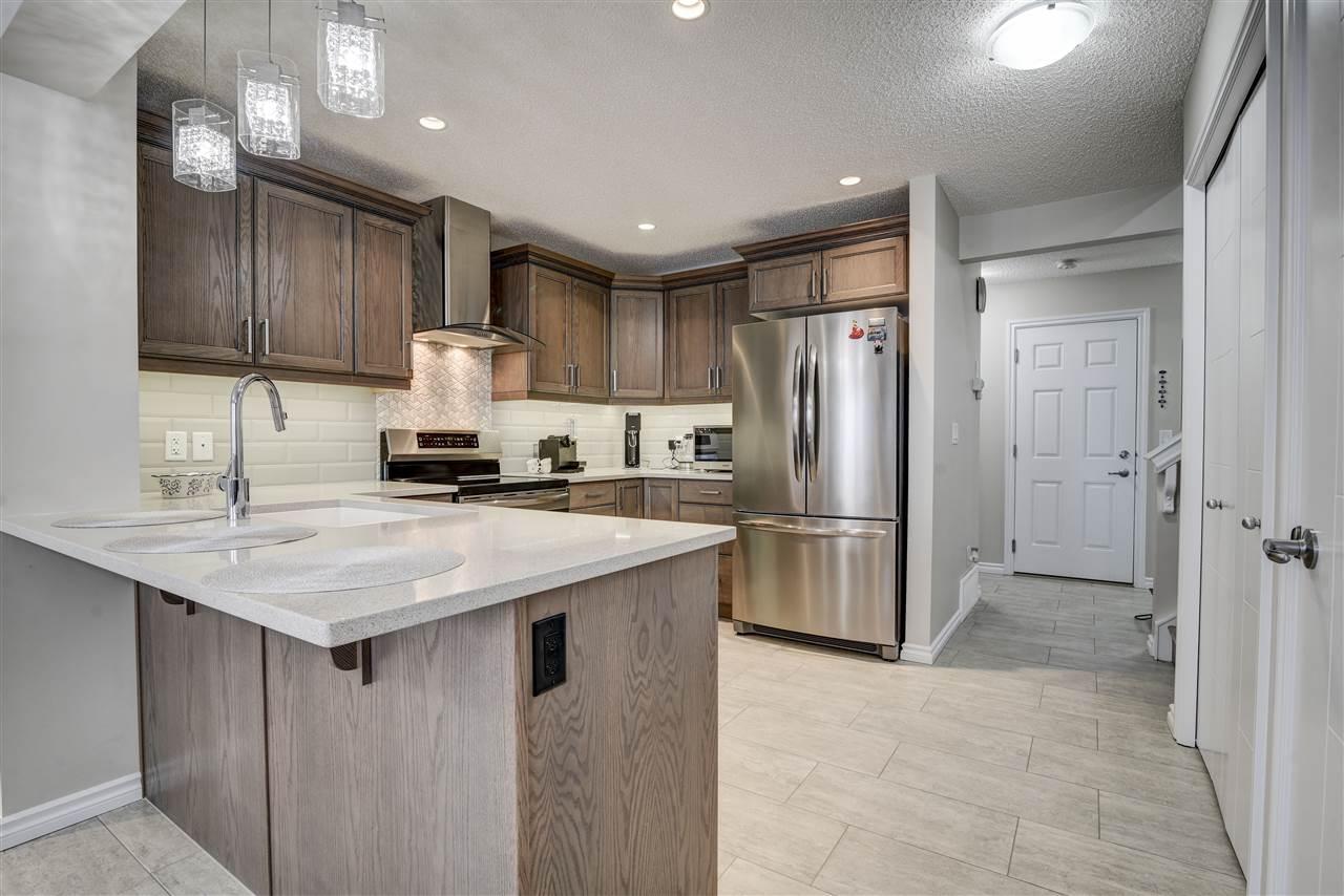 22134 89 Avenue, 2 bed, 3 bath, at $360,000