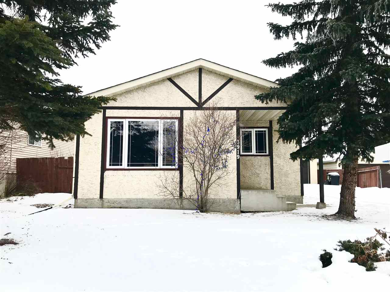 3919 39 Avenue, 3 bed, 1 bath, at $279,000