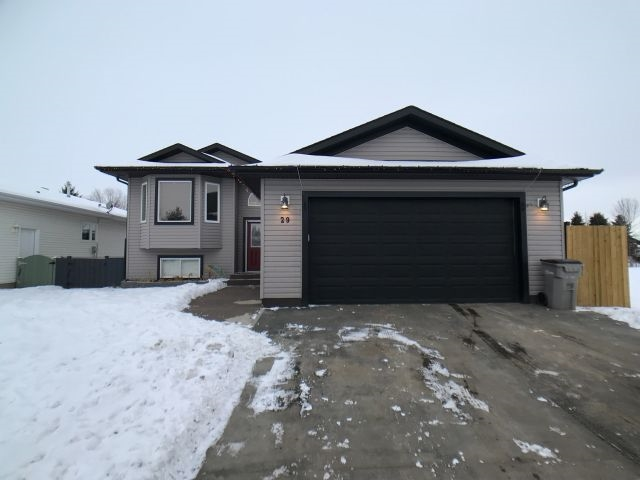 29 Westview Drive, 5 bed, 3 bath, at $339,000
