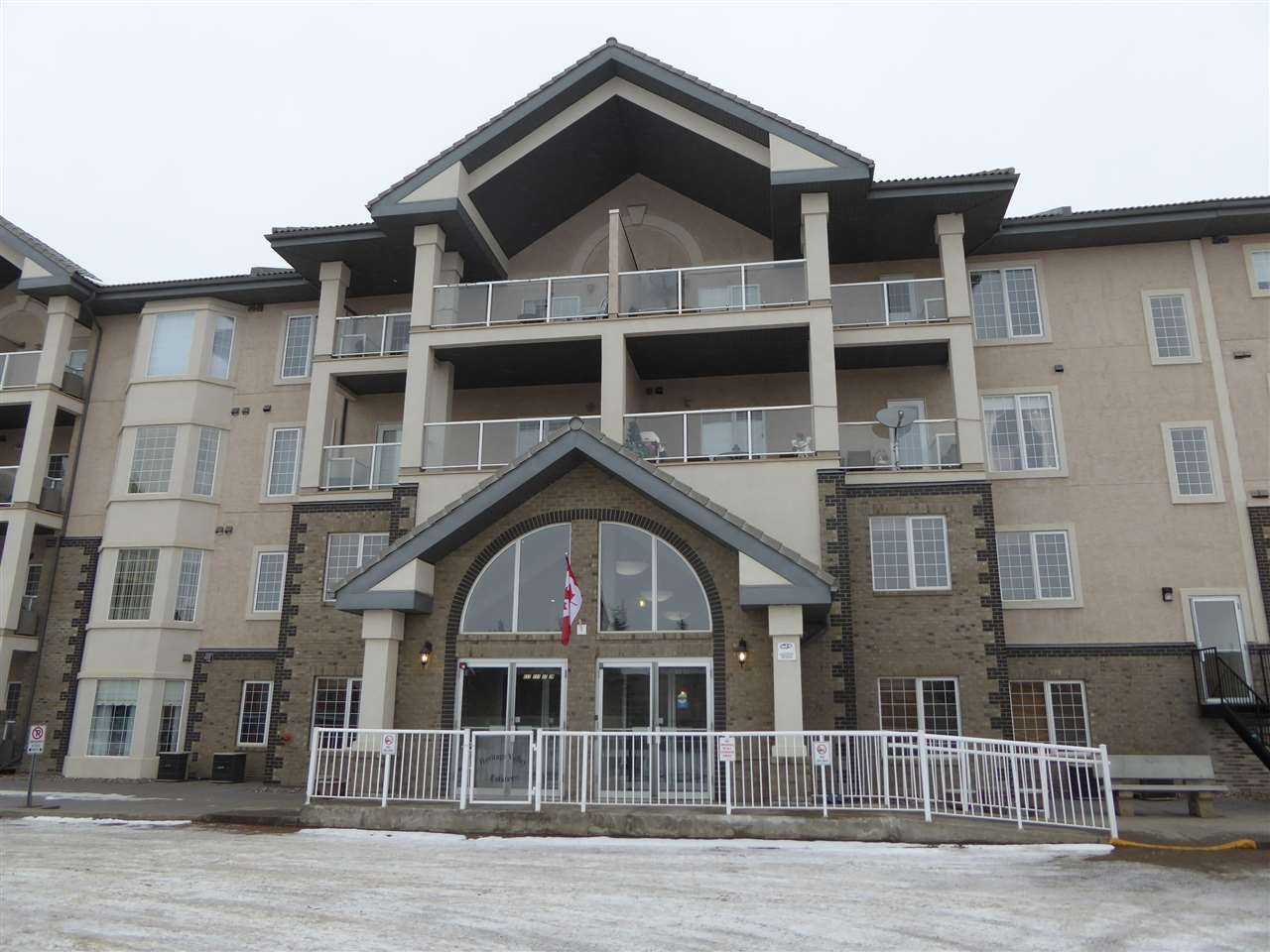 301 612 111 Street SW, 1 bed, 1 bath, at $194,900