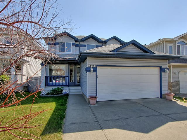 14915 137 Street, 3 bed, 4 bath, at $438,500