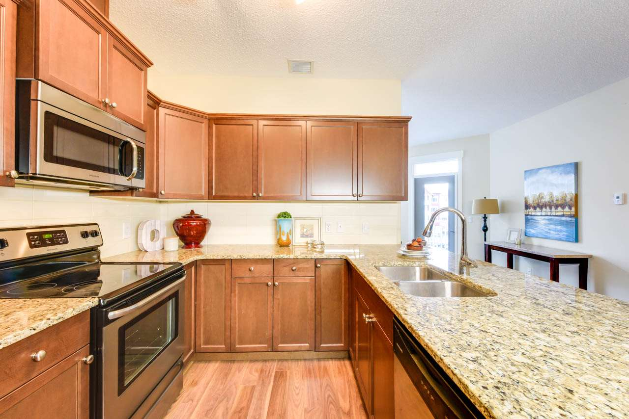 315 511 QUEEN Street, 1 bed, 1 bath, at $245,000