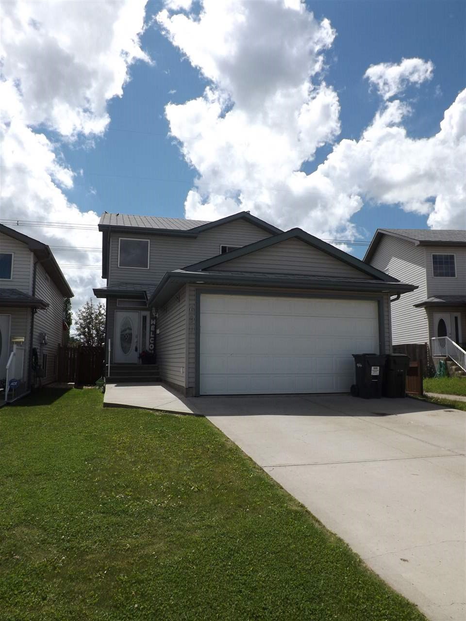 690 KANANASKIS Drive, 3 bed, 4 bath, at $349,900