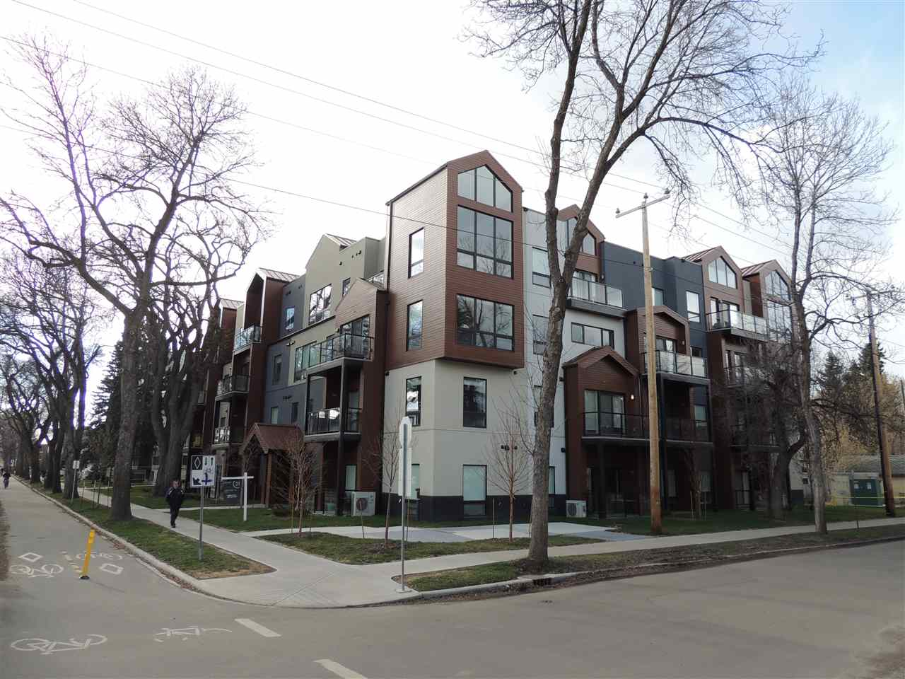 Property, 2 bed, 2 bath, at $399,900