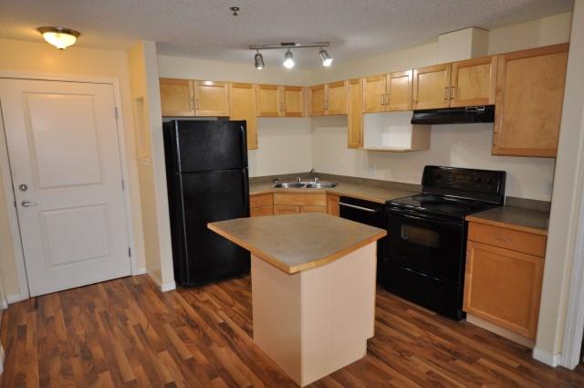 334 2305 35A Avenue NE, 2 bed, 2 bath, at $159,000
