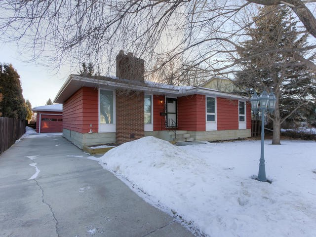MLS® listing #E4141848 for sale located at 10415 39A Avenue