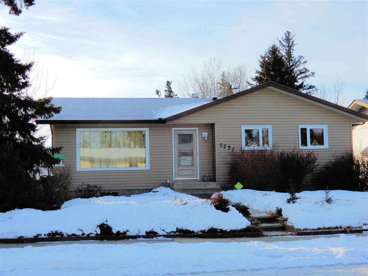 5237 55 Avenue, 4 bed, 2 bath, at $239,900