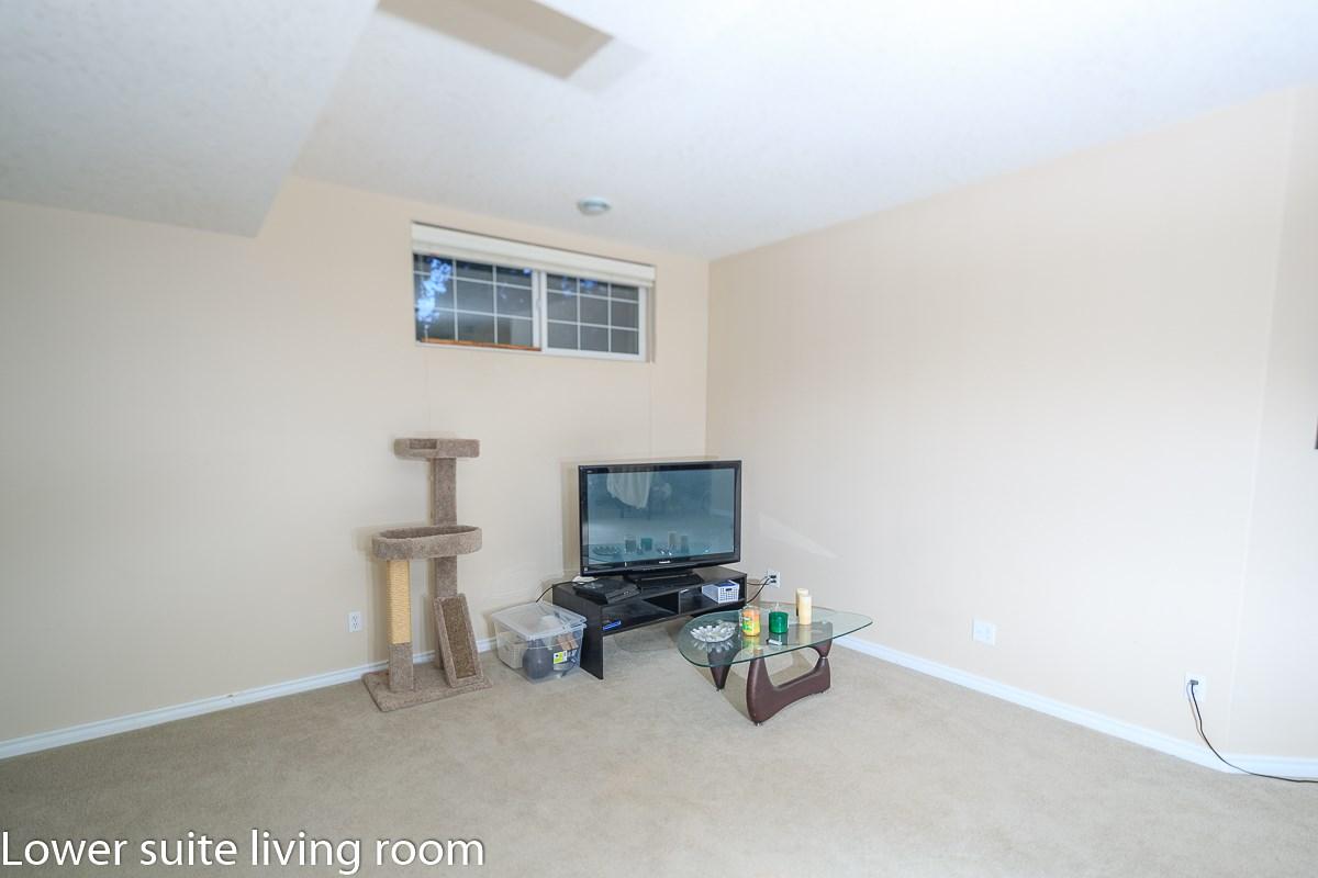 12011 95 Street, 5 bed, 3 bath, at $385,000