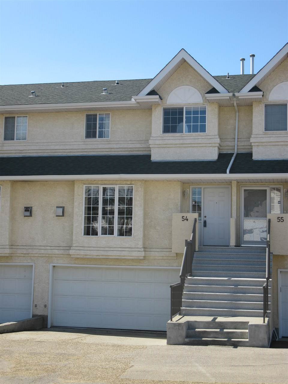 MLS® listing #E4142401 for sale located at 54 2419 133 Avenue