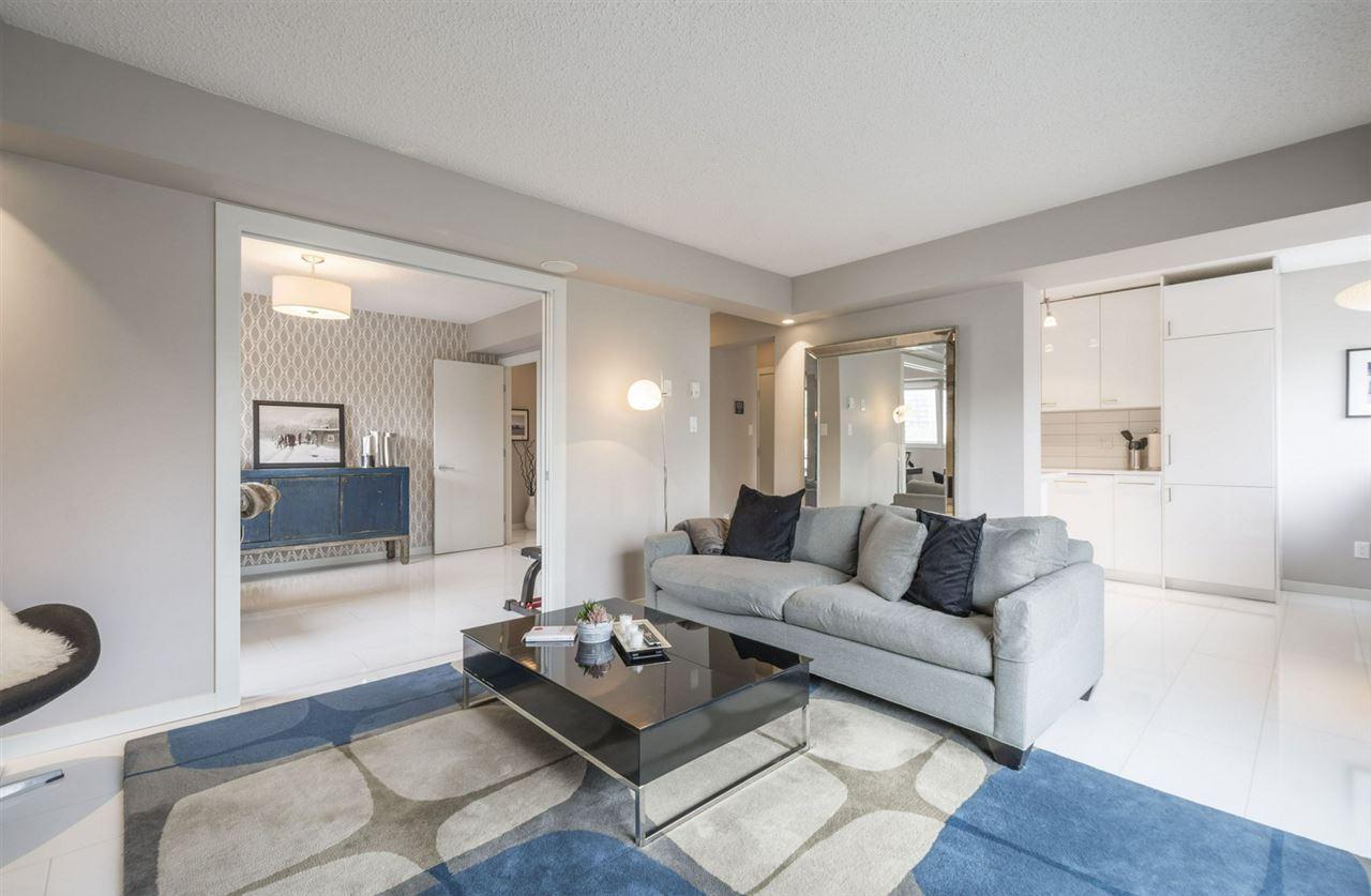 301 10140 115 Street, 2 bed, 1 bath, at $259,900