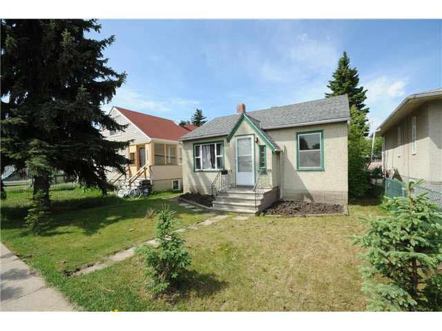 7530 106 Street, 3 bed, 2 bath, at $365,000