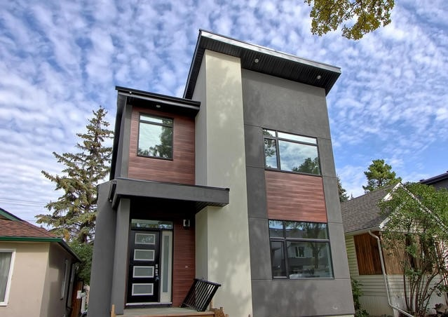 10832 75 Avenue, 5 bed, 4 bath, at $814,900