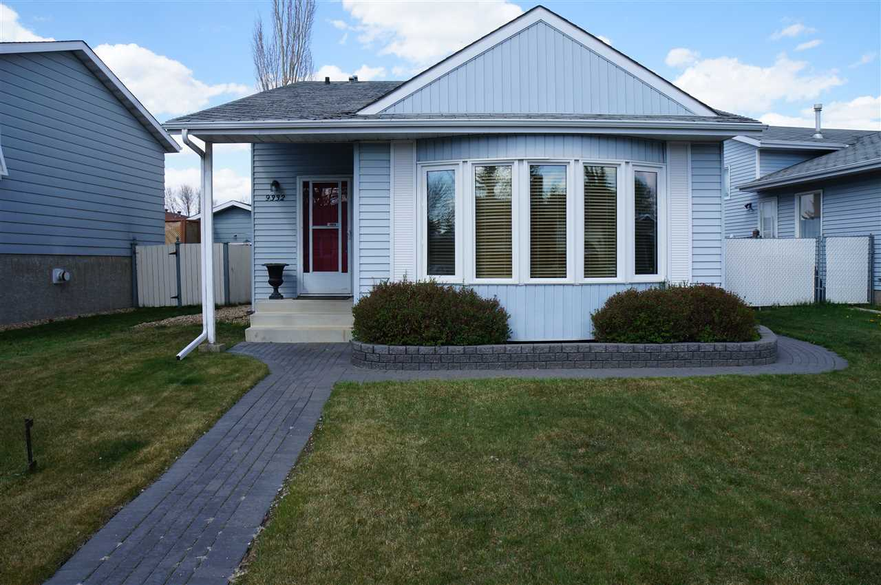 MLS® listing #E4143332 for sale located at 9332 167A Avenue
