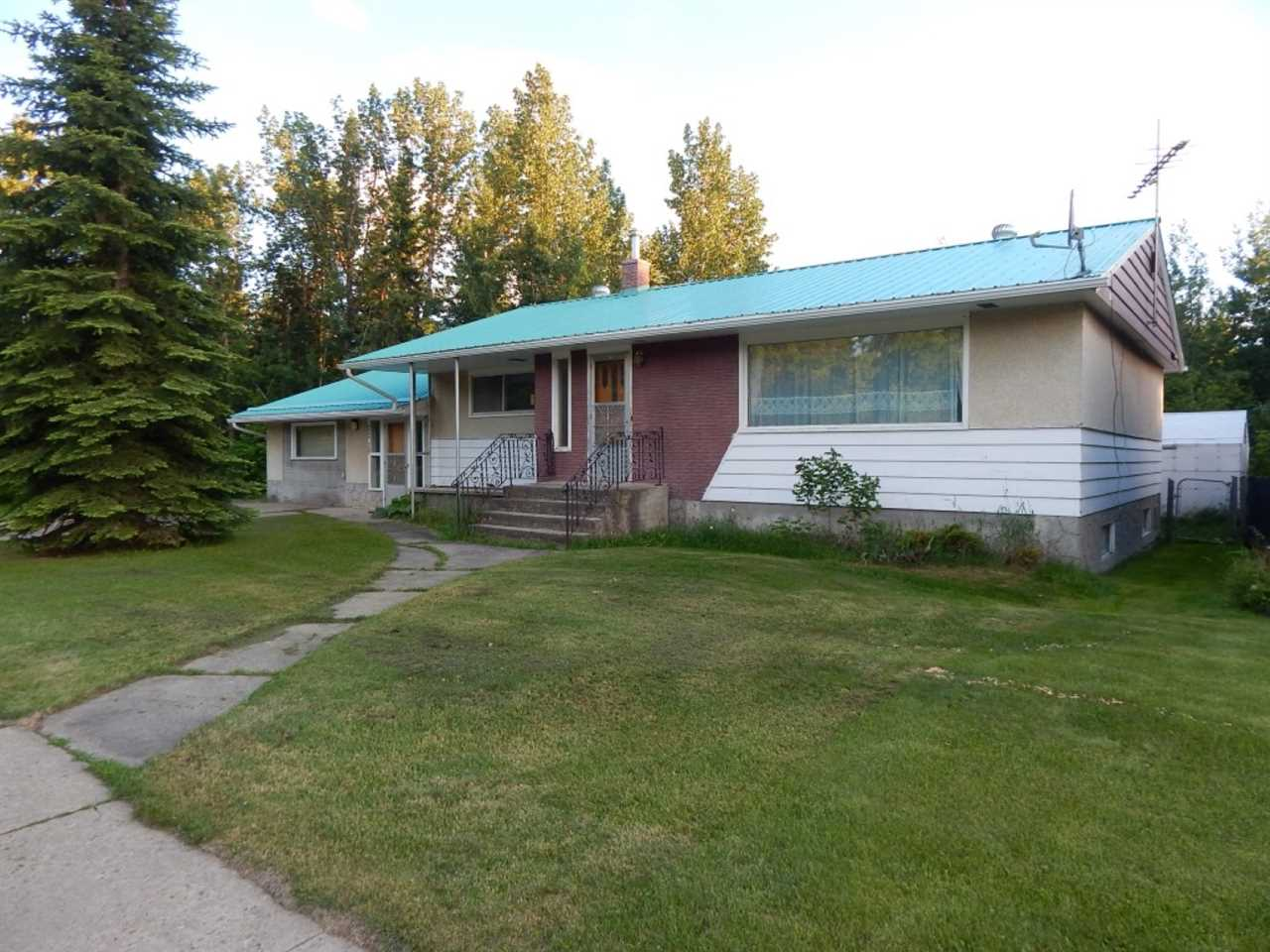 MLS® listing #E4143409 for sale located at 4804 50 Street