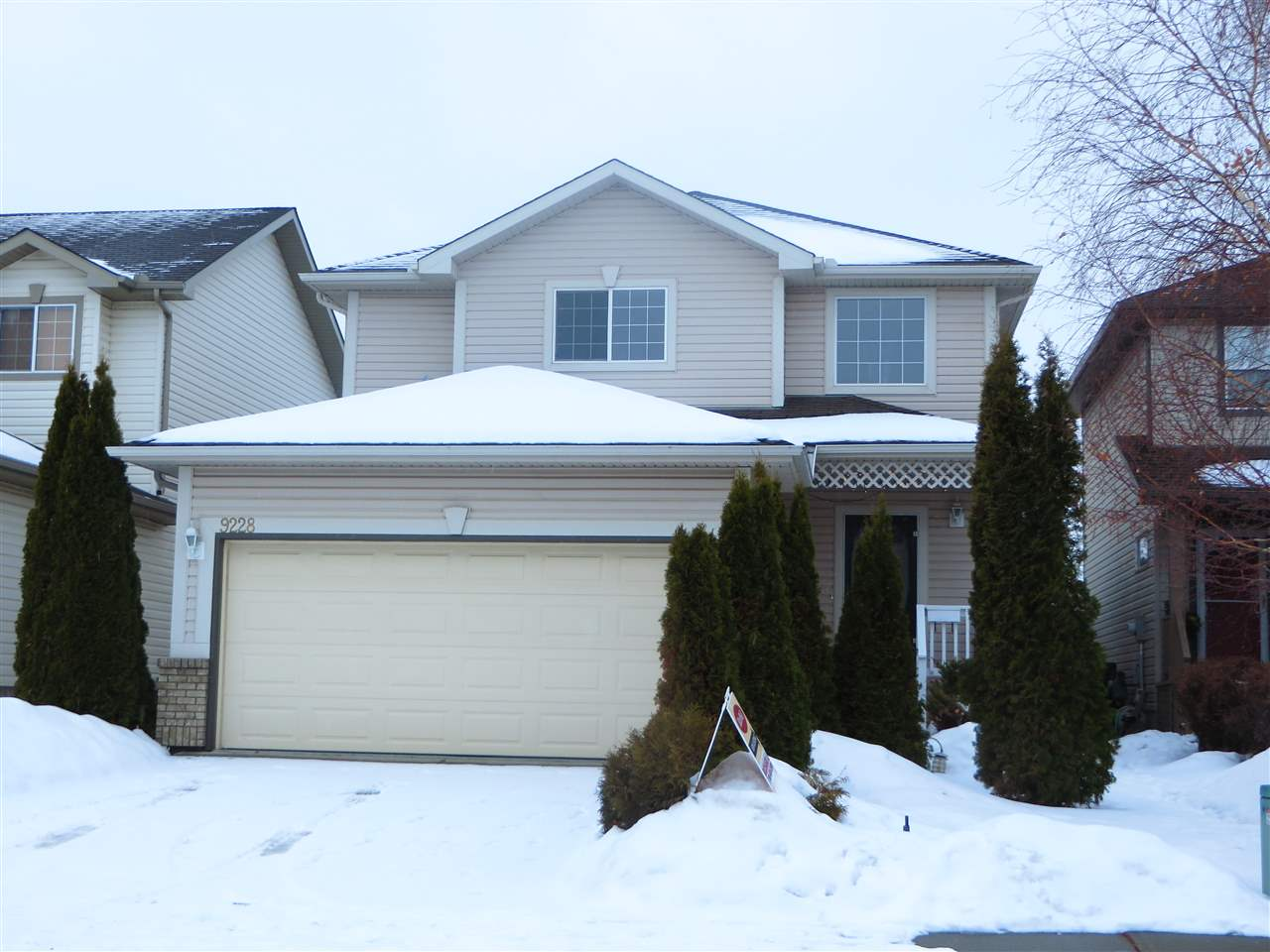 MLS® listing #E4143640 for sale located at 9228 164 Avenue