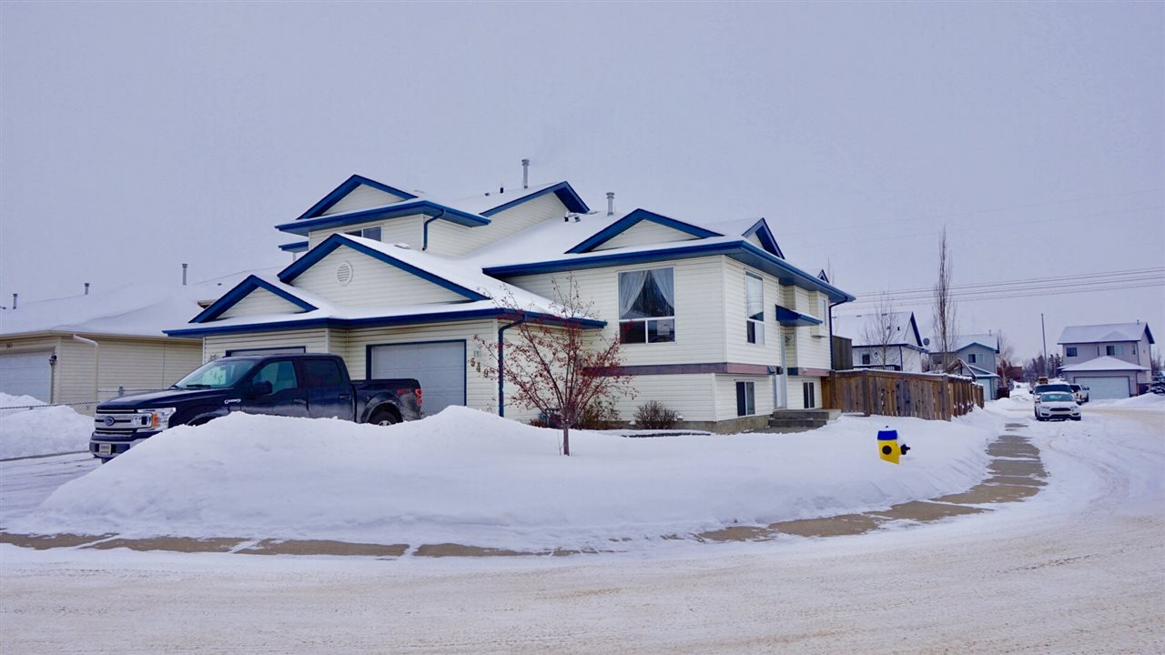 549 KANANASKIS Drive, 3 bed, 2 bath, at $242,500