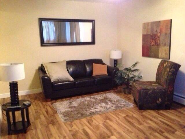 5 10812 115 Street, 1 bed, 1 bath, at $131,888