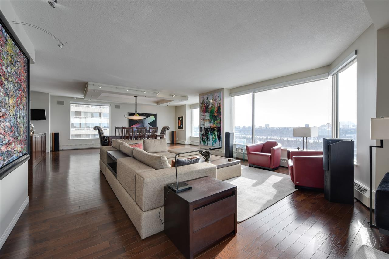 MLS® listing #E4144472 for sale located at 902 11826 100 Avenue