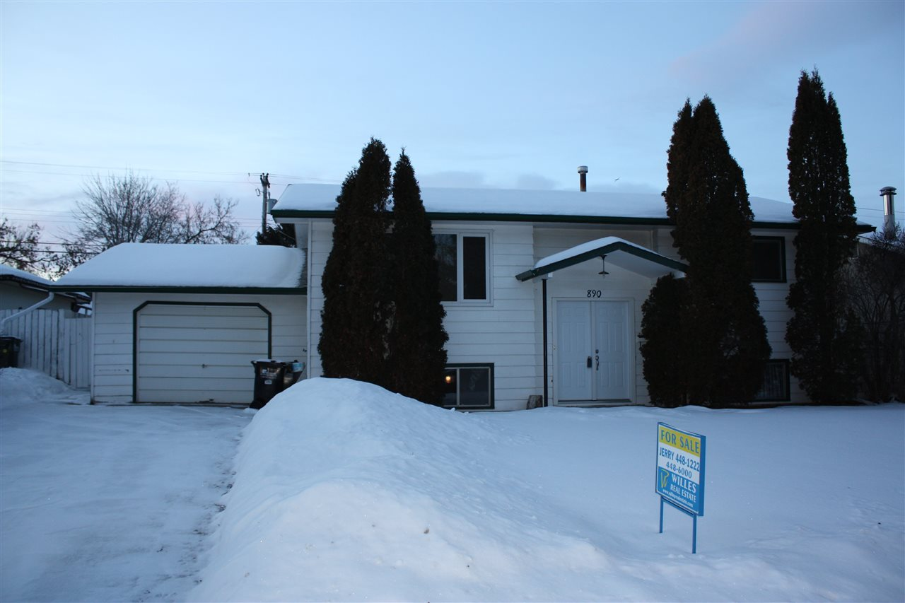 890 Cottonwood Avenue, 3 bed, 2 bath, at $284,800