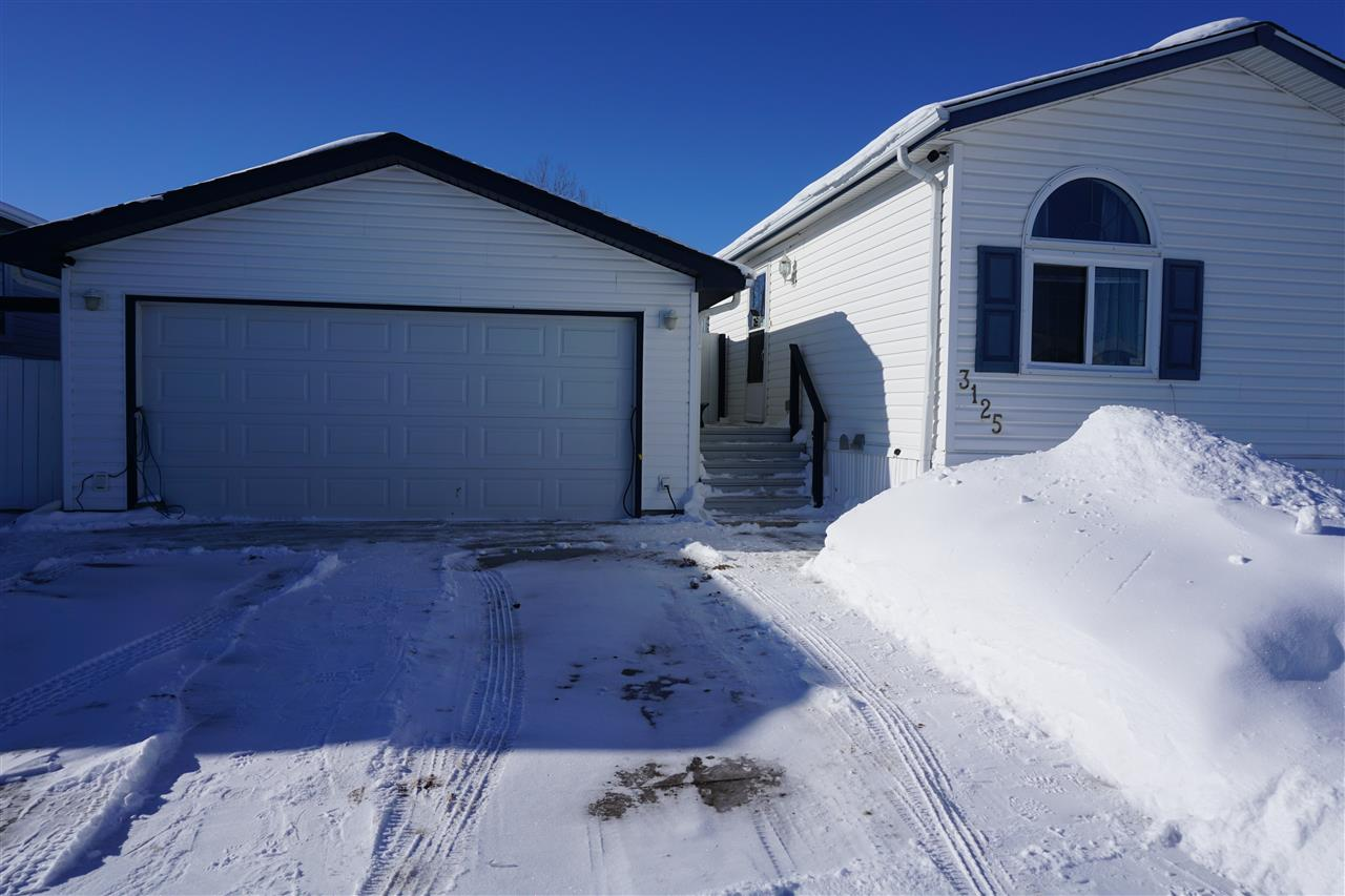 MLS® listing #E4144674 for sale located at 3125 10770 Winterburn Road