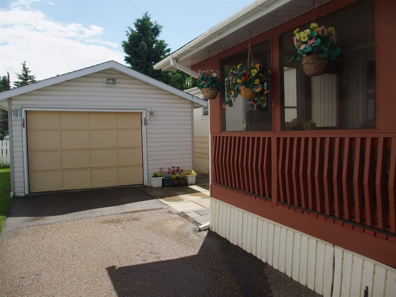 MLS® listing #E4144794 for sale located at 1031 West Mount Crescent