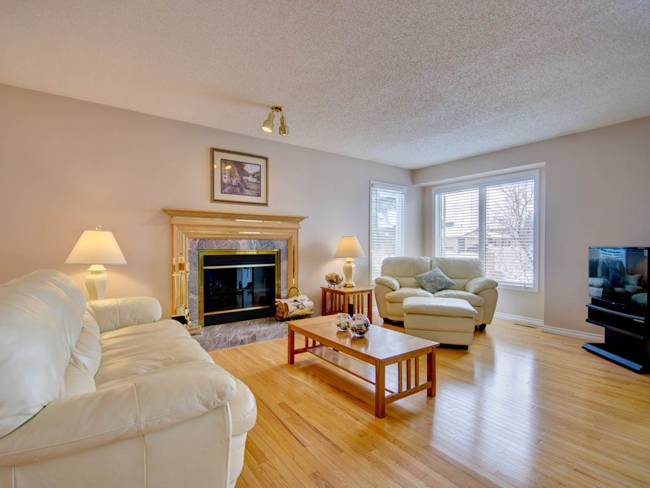 MLS® listing #E4144856 for sale located at 1236 105 Street