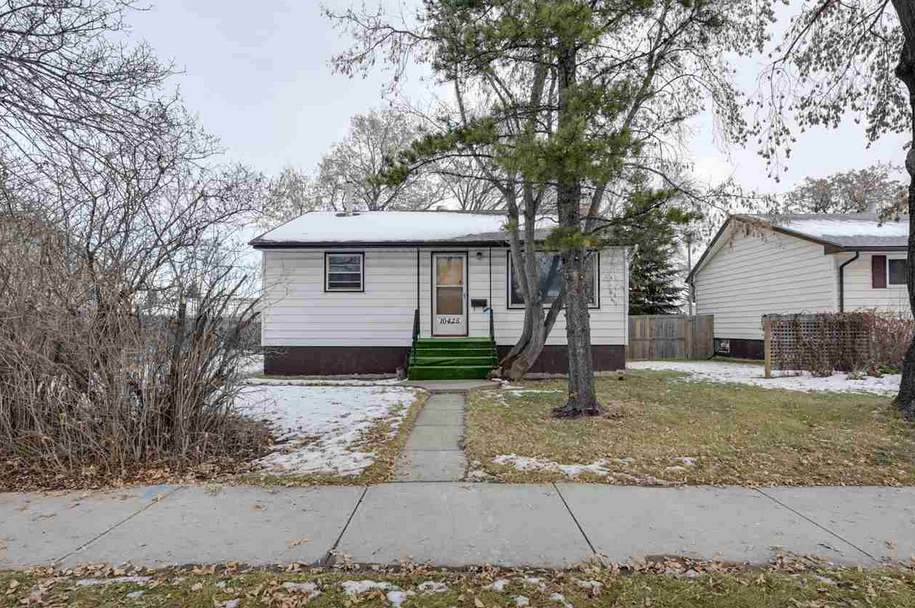 MLS® listing #E4145689 for sale located at 10425 163 Street