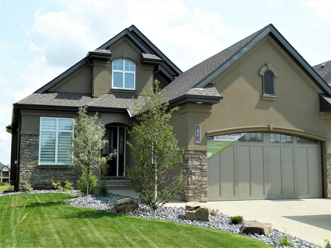 MLS® listing #E4145701 for sale located at 1021 HUCKELL Place